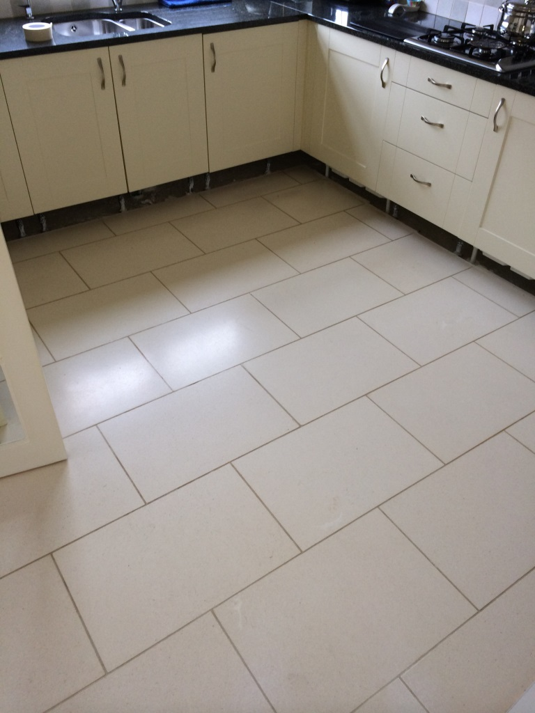Polishing Limestone Kitchen Tiles In Pewsey Wiltshire Tile Doctor